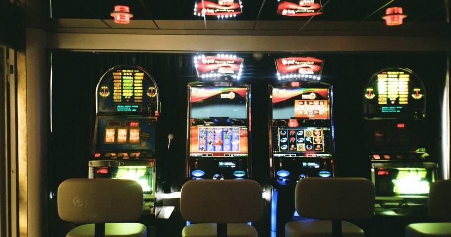 Élő online nyerőgépek: Miért jelentik az online szerencsejáték jövőjét